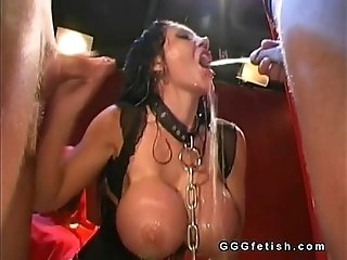 Girls gets fucking with pissing