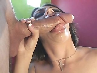 Naudia Nyce puts on a blowjob clinic with Chris Charming's big cock